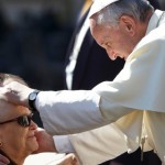 Church welcomes sinners, shows them path to holiness, pope says