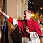 Chicago installs Archbishop Blase Cupich