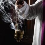 Hypoallergenic incense, low-gluten hosts can ease Massgoers' allergies